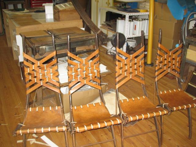 La Gainerie D'Art-chaises cuir et parchemin (1)