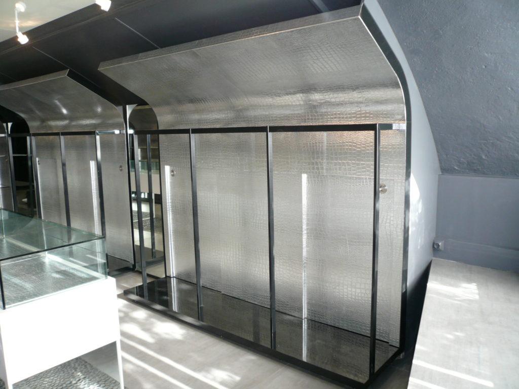 La Gainerie D'Art- magasin Ariani st tropez cuir facon croco argenté (4)