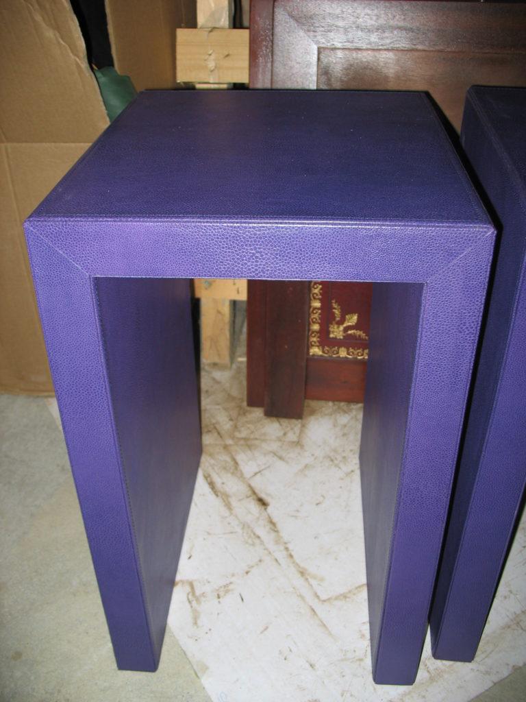 La Gainerie D'Art-table de chevet en cuir (2)