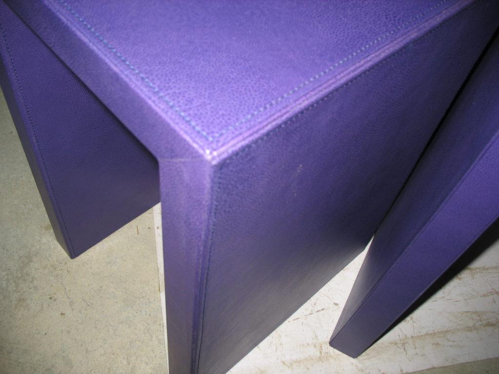 La Gainerie D'Art-table de chevet en cuir (3)