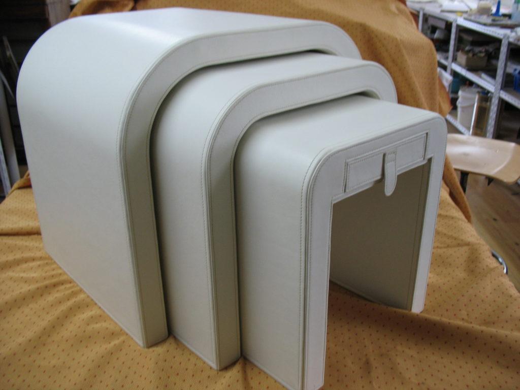 La Gainerie D'Art-table gigogne en cuir (1)